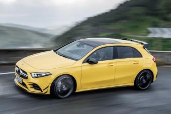 Megérkezett a Mercedes legkisebb sportmodellje