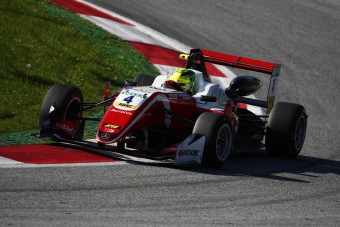 A kis Schumacher megállíthatatlan, bajnok lehet idén