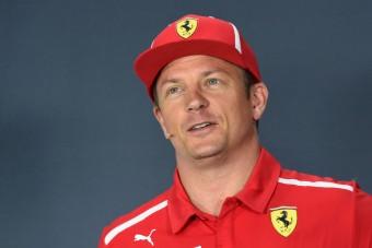 F1: Räikkönent elkapta a karácsonyi hangulat