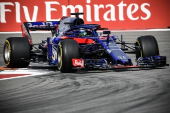 F1: A Toro Rosso ejtette az új motort