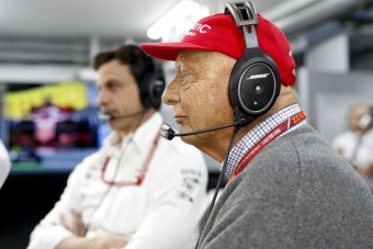 F1: Lauda elhagyja az intenzív osztályt