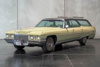 Eladó a király autója