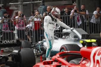 F1: A Ferrari leszerepelt, Hamiltoné a pole