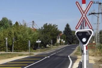 Tudtad, hogy a vasúti fénysorompó fehér jelzése nem azt jelenti, hogy nem jön vonat?