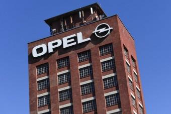 Csalásgyanú az Opelnél, házkutatást tartottak