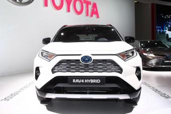 Video: nem lett asszonyterepjáró az új Toyota RAV4