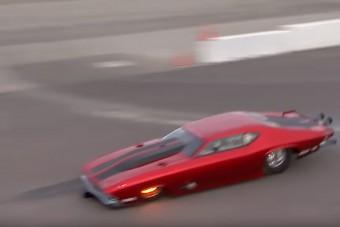 Ez történik, ha egy gyorsulási versenyen nem nyílik ki a lassítóernyő