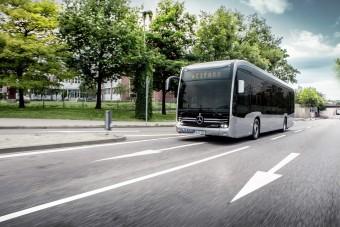 Vigyáz a gyalogosokra a Mercedes-Benz új elektromos busza