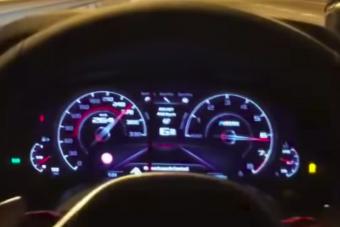 70-es táblánál tépett 240-el a BMW M5, és úgy tűnik nála ez a napi rutin