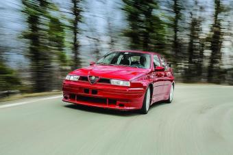 Ezt a bitang Alfa Romeót nem engedték gyártani