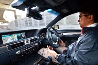 Még nem temetné a sofőröket a Toyota