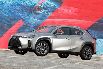 Elektromos crossovert épít a Lexus?