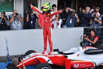 A kis Schumacher nyerte a Forma-3-as Európa-bajnokságot