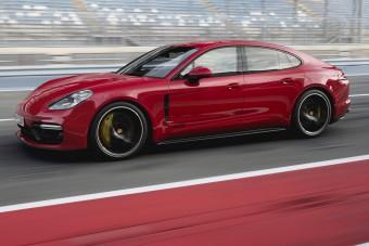 Még sportosabb a Porsche túraautója