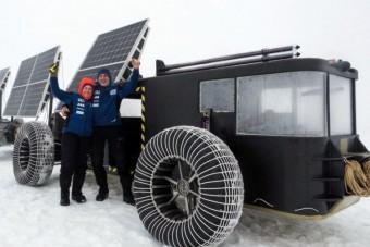 Szemétből gyártott, napelemes villanyautóval a Déli-sarkra