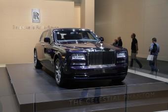 Le van tiltva a luxus, a diktátornak azért jutott Rolls-Royce