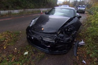 Összetörte sportkocsiját a Top Gear sztárja