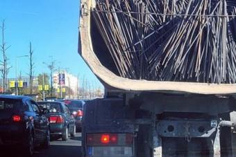 Rakományrögzítésből elégtelent kapna ez a magyar teherautós