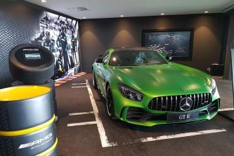 Egyedülálló új Mercedes-szalont adtak át itthon