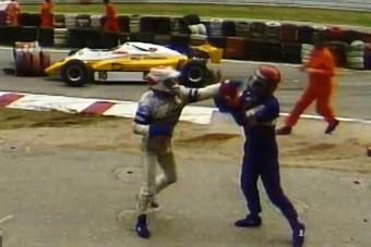 Videón az F1-ben látott legdurvább kiütős balhék