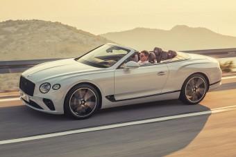 Ledobta tetejét a Bentley túraautója