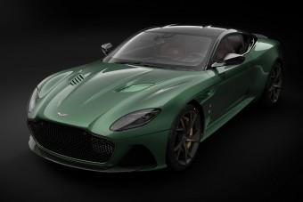 Legendás versenyautója előtt tiszteleg az Aston Martin