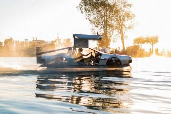 Vízen száguld a jövőbe ez a DeLorean