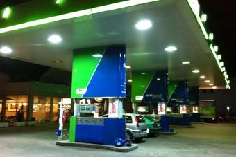 Észbontó mennyiséget vásárolnak ebből a magyar benzinkutakon