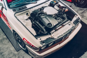 Új M3-as BMW-t töltöttek bele ebbe az E30 M3-ba