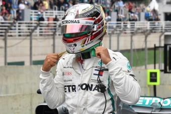 F1: Hamilton tajtékzik Szirotkin miatt