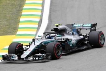F1: Bottas az élen, Hülkenberg a falban