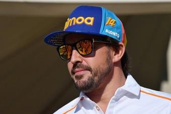 Alonso máris újra a pályán köröz - videó