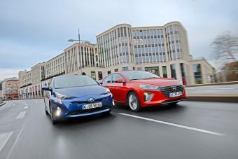 Melyik a jobb hibrid? Ioniq vagy Prius?