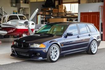 Miért kerül 7,5 millióba ez a 20 éves 3-as BMW? Megfejtés a motortérben!
