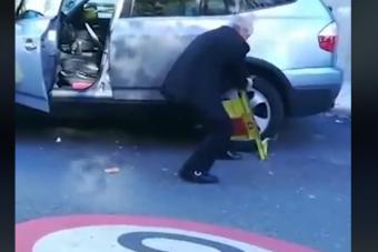 Ment a repülője, így letörte a kerékbilincset a dühös öregúr