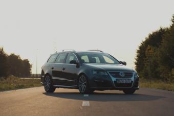 670 lóerős, nem feltűnő Volkswagen Passat a családnak