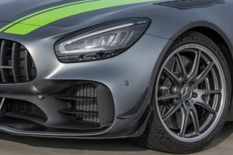 Jobb pilótát csinál belőled a frissített Mercedes-AMG GT R Pro