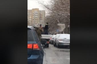 A trehány téli takarítás új szintjét videózták Bukarestben