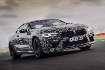 Több mint 600 lóerős lesz a BMW M8