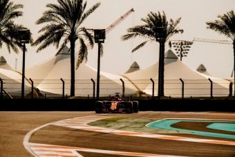 F1: Vettel megtörte a Ferrarit, Räikkönen alatt leállt az autó
