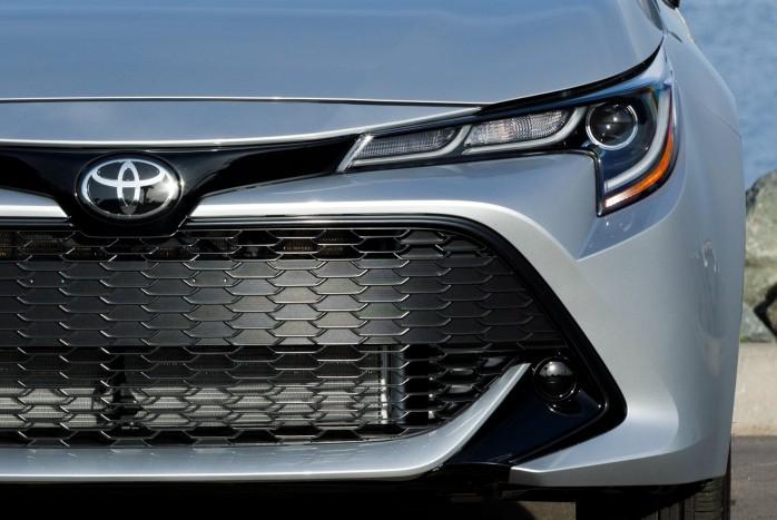 Jön a Toyota Corolla szedán 2