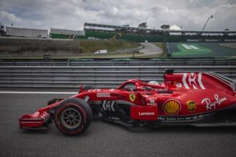 F1: Megrovás és 8 milliós bírság Vettelnek