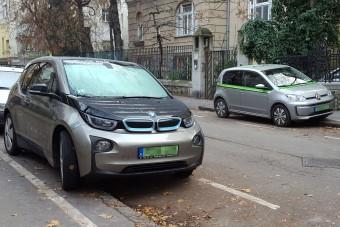 Egyre többen parkolnak ingyen Budapest fizetős helyein