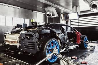 Nézd meg videón a Bugatti birtokát és gyárát!