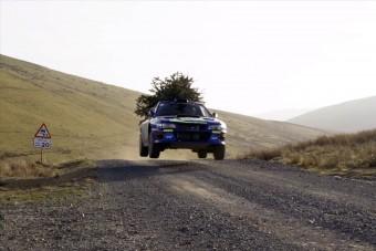 Nincs ma menőbb a fát szállító Subaru raliautónál