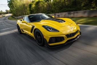 Váratlan dolog zavarta meg a versenypályán autózó férfit Amerikában