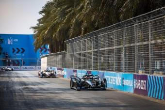 Leszerepeltek az F1-esek a Forma-E-ben