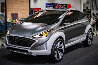 A Hyundai i20 is villanymotort kaphat?