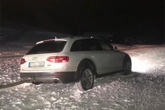 Autóval hajtott sípályára két magyar Ausztriában