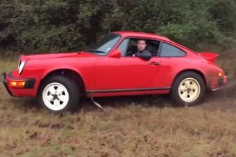 Itt az ember, aki régi Porsche 911-esből csinál csapatós verdát